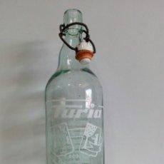 Coleccionismo Otros Botellas y Bebidas: BOTELLA DE GASEOSA TURIA 1L.ACHAMPAÑADA SALAMANCA. Lote 121738496