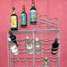 Coleccionismo Otros Botellas y Bebidas: BOTELLERO VINTAGE, AÑOS 60 , IDEAL COLECCIONES , 53 BOTELLAS DE CAPACIDAD, METALICO, ENVIO GRATIS. Lote 121854399