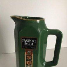 Coleccionismo Otros Botellas y Bebidas: JARRA - WHISKY PASSPORT SCOTCH . Lote 122915559