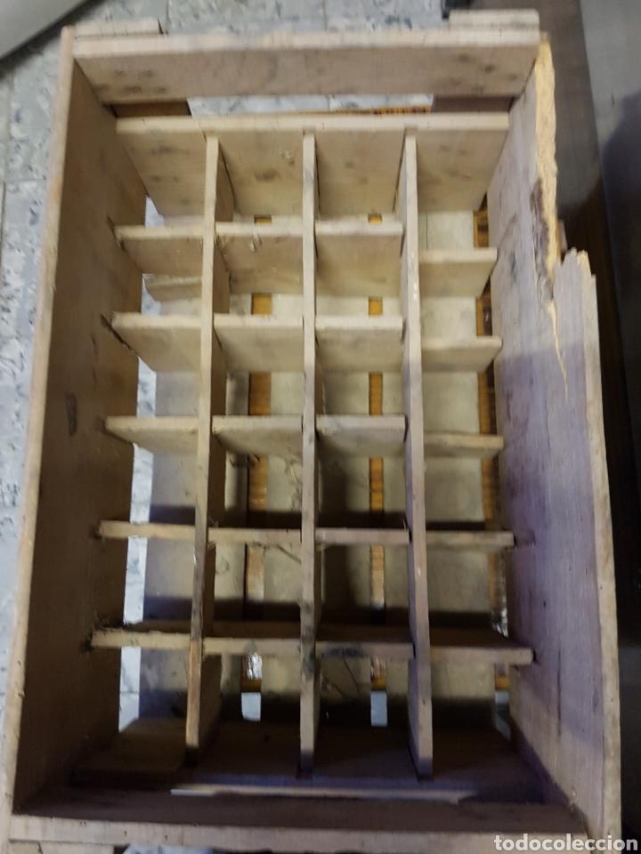Coleccionismo Otros Botellas y Bebidas: ANTIGUA CAJA PARA BOTELLINES, DE MADERA, MARCA CRUSH - Foto 4 - 122919011
