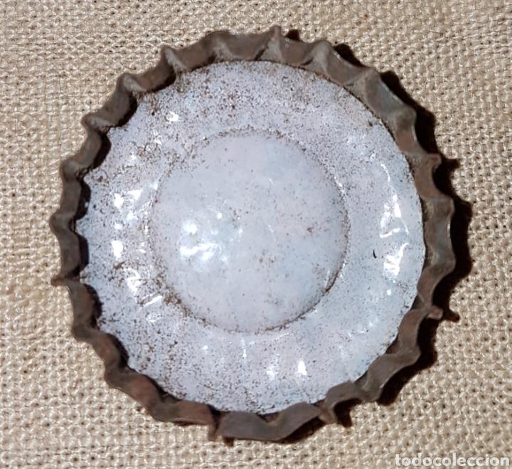 Coleccionismo Otros Botellas y Bebidas: Chapa corona corcho Martini relieve - Foto 2 - 124196666