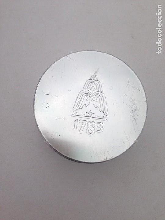 Coleccionismo Otros Botellas y Bebidas: juego de posavasos tonica schweppes caja metalica y 4 posavasos metal corcho coleccion - Foto 2 - 124247663