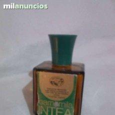 Coleccionismo Otros Botellas y Bebidas: BOTELLITA DE CRISTAL ESENCIA. Lote 124691203