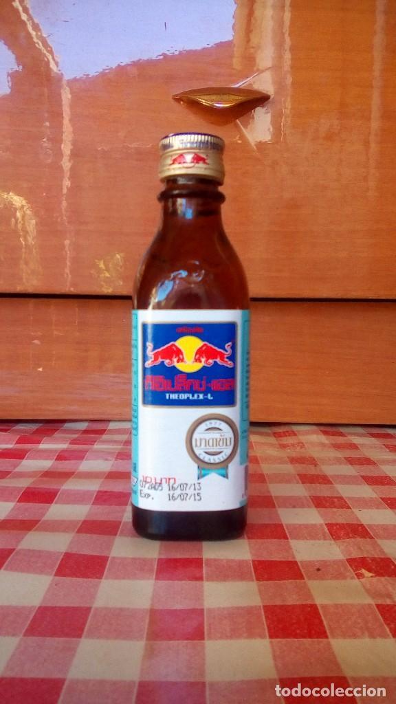 BOTELLA RED BULL TAILANDIA-1 (Coleccionismo - Otras Botellas y Bebidas )