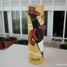 Coleccionismo Otros Botellas y Bebidas: CAJA DE TÍO PEPE VACÍA- CARTÓN Y HOJALATA - 31 CM.. Lote 125390639