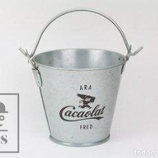 Coleccionismo Otros Botellas y Bebidas: CUBO PUBLICITARIO CON HIELOS / CUBITERA PUBLICITARIA - CACAOLAT - ARA CACAOLAT FRED. Lote 128313603