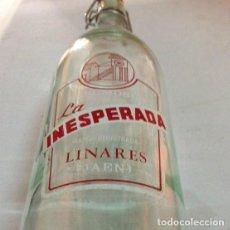 Coleccionismo Otros Botellas y Bebidas: ANTIGUA BOTELLA INESPERADA. Lote 130189259
