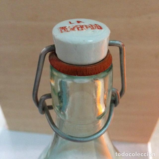 Coleccionismo Otros Botellas y Bebidas: Antigua botella Inesperada - Foto 3 - 130189259