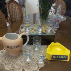 Coleccionismo Otros Botellas y Bebidas: RICARD JARRA CENICERO Y 6 VASOS NUEVOS. Lote 130591760
