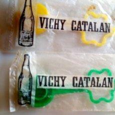 Coleccionismo Otros Botellas y Bebidas: VICHY CATALAN TAPON GRABADO CUELLO BOTELLA BLISTER ORIGINAL. Lote 132144506