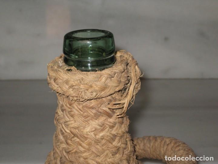 Coleccionismo Otros Botellas y Bebidas: Botella forrada de esparto. Brandy Domecq. Moopolio. - Foto 3 - 133543286