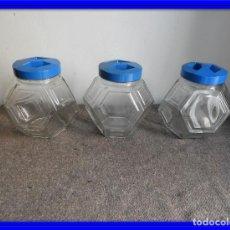 Coleccionismo Otros Botellas y Bebidas: ANTIGUOS BOTES DE CARAMELOS CON SUS TAPES. Lote 133653286