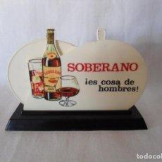 Coleccionismo Otros Botellas y Bebidas: ANTIGUO SERVILLETERO DE BAR AÑOS 60 BRANDY SOBERANO. Lote 134800546