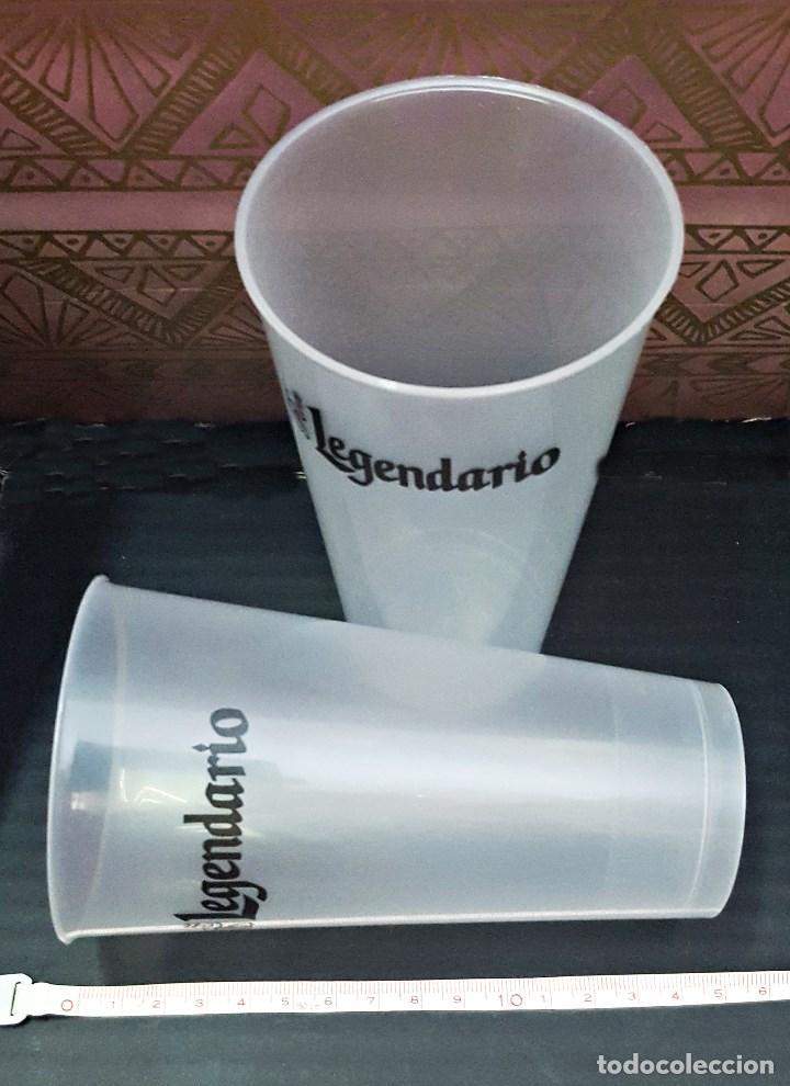 Coleccionismo Otros Botellas y Bebidas: Pareja de vasos de plastico duro de LEGENDARIO 45cl. - Foto 2 - 135837990
