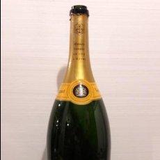 Coleccionismo Otros Botellas y Bebidas: BOTELLA GRANDE VEUVE CLICQUOT PONSARDIN 9 L. VACIA. . Lote 136528934