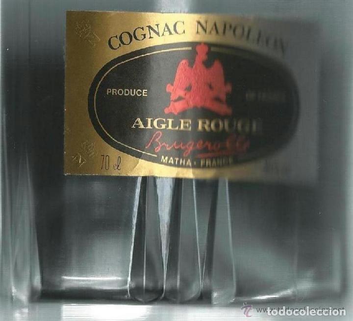 Coleccionismo Otros Botellas y Bebidas: BOTELLA DE COÑAC NAPOLEON ETIQUETA NEGRA AGUILA ROJA - BRUGEROLLE - Foto 2 - 140521034