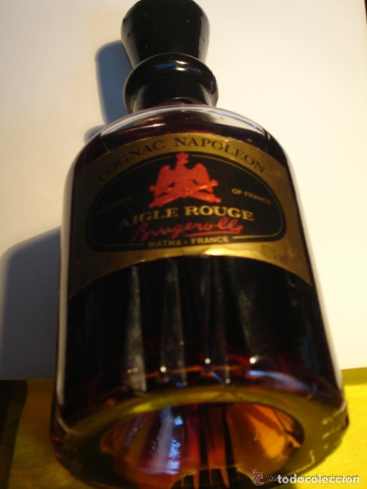 Coleccionismo Otros Botellas y Bebidas: BOTELLA DE COÑAC NAPOLEON ETIQUETA NEGRA AGUILA ROJA - BRUGEROLLE - Foto 8 - 140521034