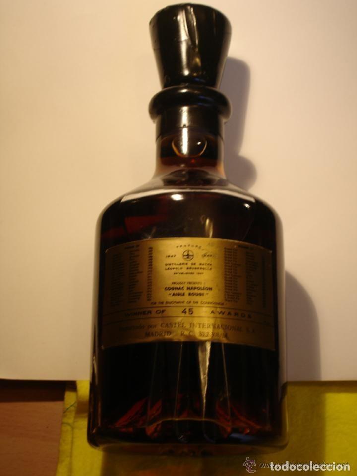 Coleccionismo Otros Botellas y Bebidas: BOTELLA DE COÑAC NAPOLEON ETIQUETA NEGRA AGUILA ROJA - BRUGEROLLE - Foto 9 - 140521034