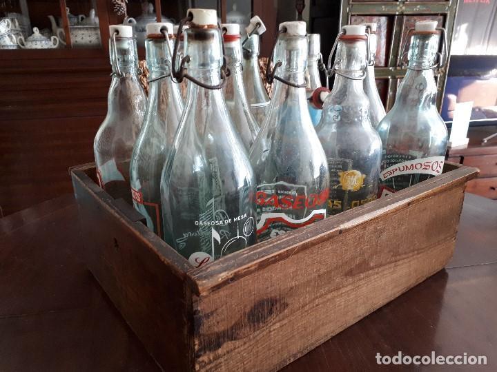 Coleccionismo Otros Botellas y Bebidas: Colección 11 Botellas Gaseosa y 1 Sifón. Revoltosa, El Cid, Escutia, Montesol. Monteagudo. - Foto 10 - 141561338