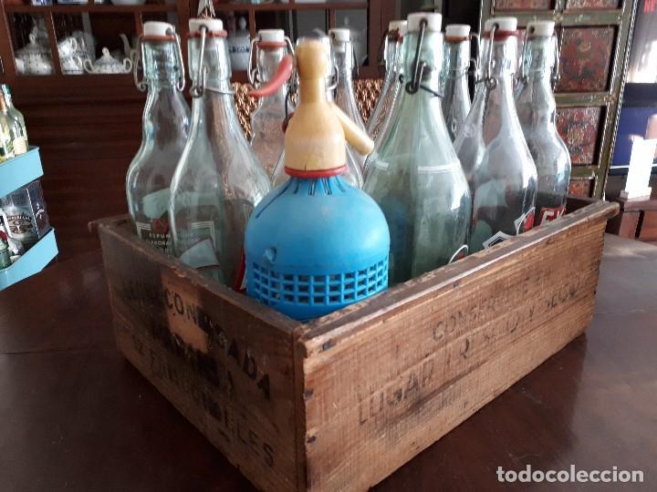 Coleccionismo Otros Botellas y Bebidas: Colección 11 Botellas Gaseosa y 1 Sifón. Revoltosa, El Cid, Escutia, Montesol. Monteagudo. - Foto 2 - 141561338