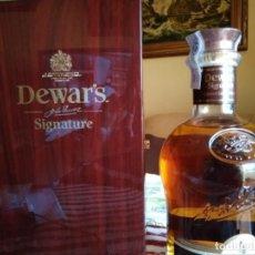Coleccionismo Otros Botellas y Bebidas: WHISKY DEWARS SIGNATURE EDICIÓN LIMITADA. Lote 142760922