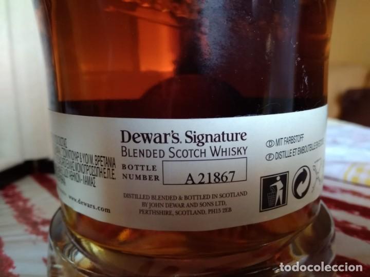 Coleccionismo Otros Botellas y Bebidas: Whisky Dewars signature edición limitada - Foto 6 - 142760922