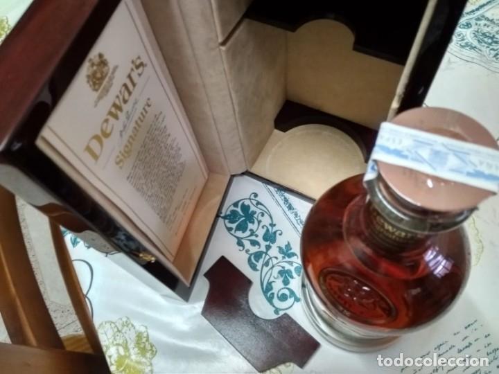 Coleccionismo Otros Botellas y Bebidas: Whisky Dewars signature edición limitada - Foto 9 - 142760922