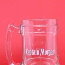 Coleccionismo Otros Botellas y Bebidas: JARRA RON CAPTAIN MORGAN RUM GLASS PITCHER RELIEVE COLECCIONABLE. Lote 143898958