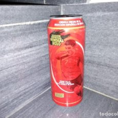 Coleccionismo Otros Botellas y Bebidas: LATA 50CL DE CERVEZA CRUZCAMPO LLENA SIN ABRIR DEL MUNDIAL FUTBOL AÑO 2010 JUGADOR DAVID VILLA BIER . Lote 146141250