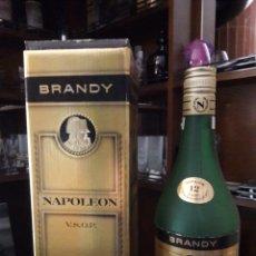 Coleccionismo Otros Botellas y Bebidas: CAJA DE BRANDY CON BOTELLA VACIA ORIGINAL DE NAPOLEON. VSOP. NUM.SERIE L221114. Lote 147707186