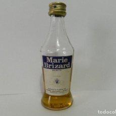 Coleccionismo Otros Botellas y Bebidas: MINI BOTELLA LICOR MARIE BRIZARD - BOTELLIN. Lote 148011614