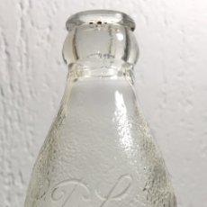 Coleccionismo Otros Botellas y Bebidas: ANTIGUA Y RARA BOTELLA DE REFRESCO O SIMILAR DE LA PERFECCION BARCELONA. SERIGRAFIADA.. Lote 148334672
