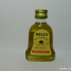Coleccionismo Otros Botellas y Bebidas: MINIBOTELLA WHISKY BELLS , ESCOCIA, BOTELLIN. Lote 148390538