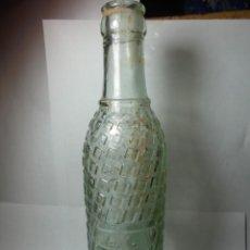 Coleccionismo Otros Botellas y Bebidas: MAGNIFICA ANTIGUA BOTELLA LA TROPICAL SOBRE LOS AÑOS 20-30. Lote 148993322