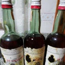Coleccionismo Otros Botellas y Bebidas: LOTE DE 3 BOTELLAS FUNDADOR PEDRO DOMECQ SELLO 4 PESETAS. Lote 149241382