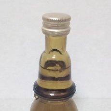 Coleccionismo Otros Botellas y Bebidas: BOTELLIN LICOR ESTOMACAL NURIA. Lote 149645290