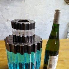 Coleccionismo Otros Botellas y Bebidas: BOTELLA DE PERFUME GIGANTE. Lote 150140253