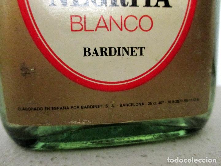 Coleccionismo Otros Botellas y Bebidas: BARDINET RON NEGRITA BLANCO. BARCELONA. BOTELLA, PETACA. - Foto 6 - 151475514