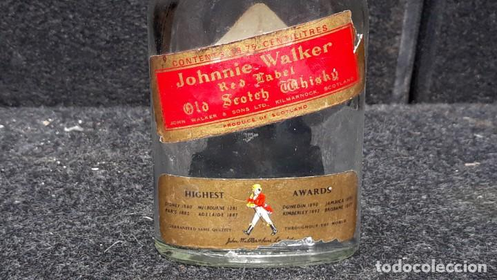 Coleccionismo Otros Botellas y Bebidas: ANTIGUA BOTELLA PETACA DE WHISKY JOHNNIE WALKER EDICION - Foto 2 - 152183518