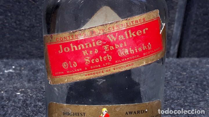 Coleccionismo Otros Botellas y Bebidas: ANTIGUA BOTELLA PETACA DE WHISKY JOHNNIE WALKER EDICION - Foto 3 - 152183518