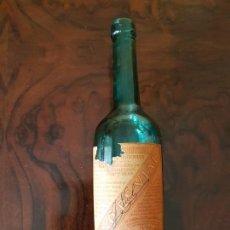 Coleccionismo Otros Botellas y Bebidas: BONITA BOTELLA DE TÓNICO RECONSTITUYENTE. VINO DE VIAL. FARMACÉUTICO A. SERRA REUS.. Lote 152518906