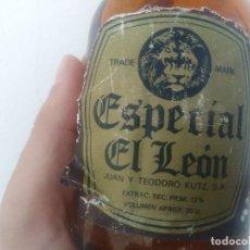 Coleccionismo Otros Botellas y Bebidas: ANTIGUA BOTELLA DE CERVEZA EL LEON JUAN Y TEODORO KUTZ GUIPUZCOA. Lote 153727970