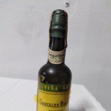 Coleccionismo Otros Botellas y Bebidas: BOTELLA MINIATURA VIÑA AB GONZÁLEZ BYASS JEREZ. Lote 154196781