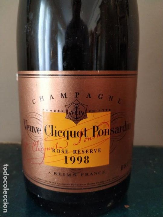 Coleccionismo Otros Botellas y Bebidas: CHAMPAGNE - VEUVE CHICQUOT PONSARDIN - ROSE RESERVE 1998 - Foto 2 - 157942346
