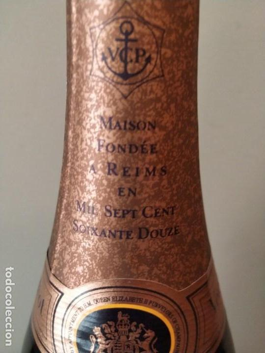 Coleccionismo Otros Botellas y Bebidas: CHAMPAGNE - VEUVE CHICQUOT PONSARDIN - ROSE RESERVE 1998 - Foto 3 - 157942346