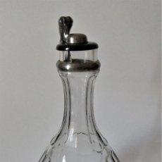 Coleccionismo Otros Botellas y Bebidas: ANTIGUA JARRA DE AGUA CON TAPA DE BAQUELITA. Lote 159736746