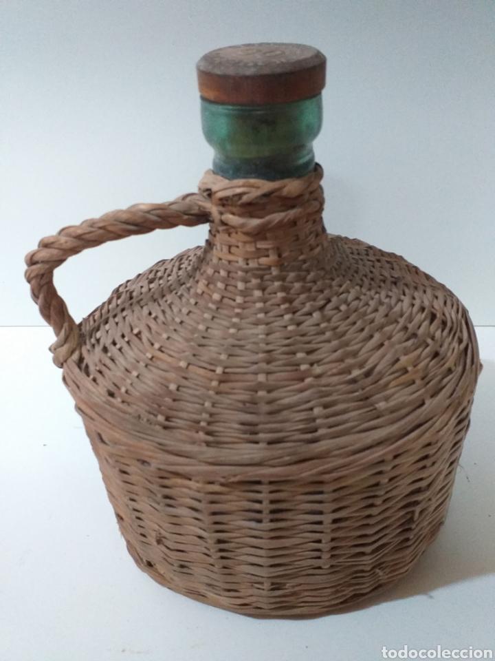 Coleccionismo Otros Botellas y Bebidas: Antigua garrafa de 2 litros de agua de colonia Señorial Myrurgia. - Foto 2 - 159889249