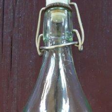 Coleccionismo Otros Botellas y Bebidas: BOTELLA GASEOSA SANTA TECLA. Lote 161362377