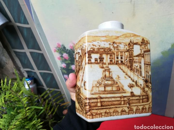 Coleccionismo Otros Botellas y Bebidas: Botella antigua con imagen de la plaza de la Candelaria de S/c de Tenerife - Foto 4 - 162209136
