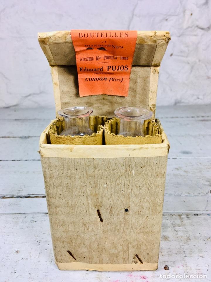 Coleccionismo Otros Botellas y Bebidas: CURIOSAS BOTELLAS DE CRISTAL PARA MUESTRAS CON CAJA DE CARTÓN PARA VINO O LICOR - Foto 9 - 163306140